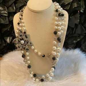 White House Black Market Pearl Flower Necklace